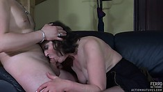 Brunette slut with big tits gets a raise by giving her boss head