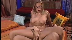 Sexy blonde babe Pandora Dream gets herself a hot afternoon fuck